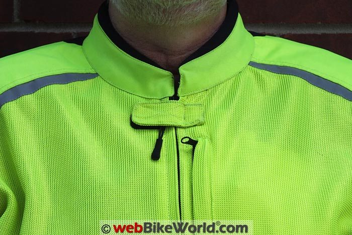 Pilot Visto Air Jacket Neck and Collar