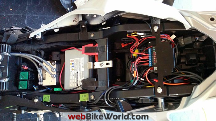 Neutrino Black Box Installed on BMW S1000XR