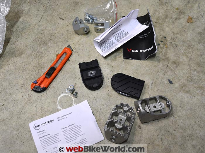 Kawasaki Versys 650 Wide Footpegs Kit Contents