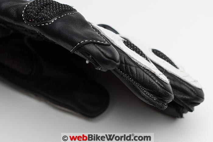Roadgear Cheetah Gloves Fingers Stitching Close-up