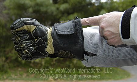Teknic Violator gloves with big gauntlet