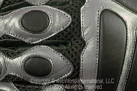 Fieldsheer Sonic Mesh Gloves - Close Up View