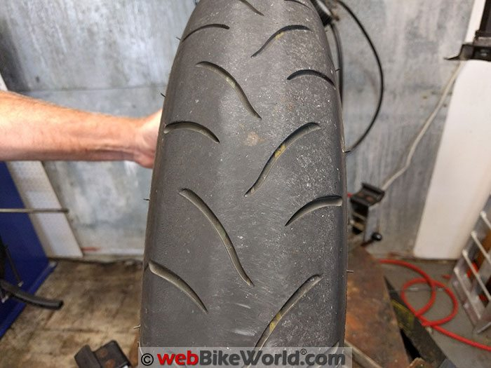 Bridgestone BT-016 Front Compound