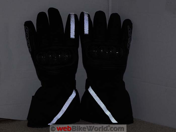 Pilot Obsidian Gloves Reflectivity