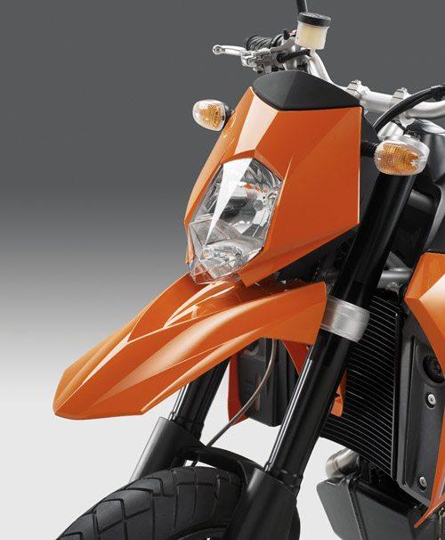 KTM 950 Supermoto Front View