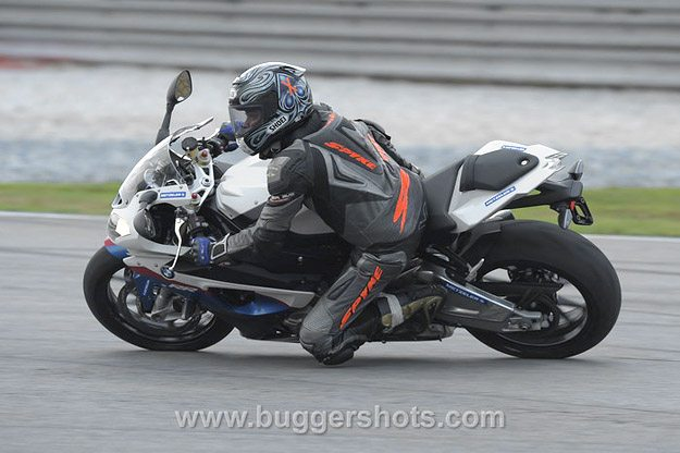 BMW S 1000 RR Review - On Track