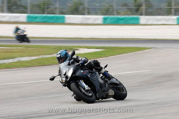 BMW S 1000 RR Review - In the Corner