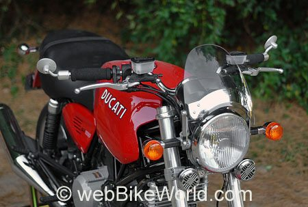 Motorcycle Fly Screen on Ducati GT1000