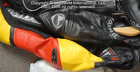 Comparison of GiMoto Custom Motorcycle Leathers and the Lookwell Viper Leather Suit - Upper Shoulders