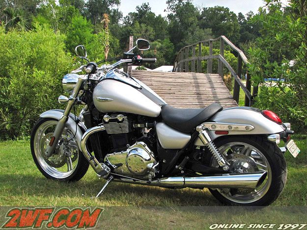 Triumph Thunderbird Review Webbikeworld