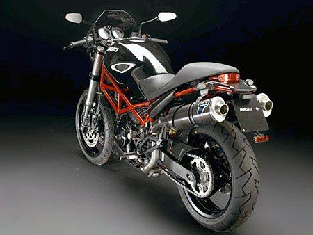 Ducati Monster 695 - Rear