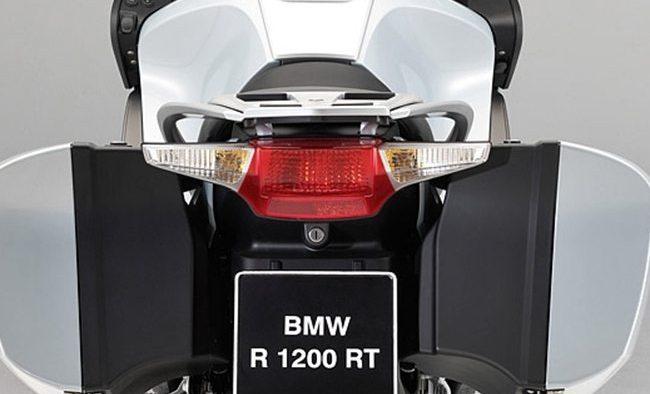 2010 BMW R-1200-RT - webBikeWorld