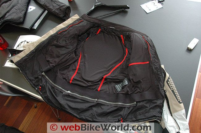 Defender GTX Jacket - Back Pad