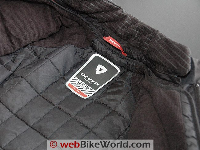 Everest GTX Jacket - Close-up of Neck
