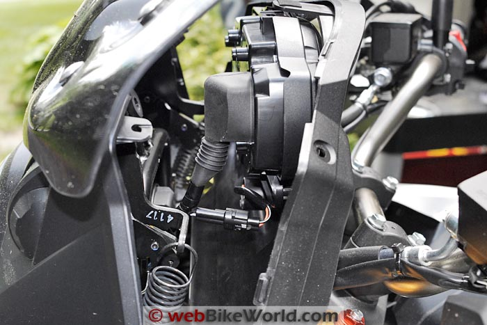 Suzuki V-Strom 1000 ABS Instrument Panel Removal