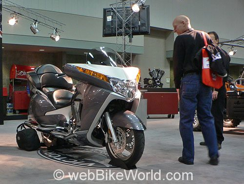 Victory Vision Motorcycle - Silver