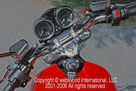 GT1000 steering lock