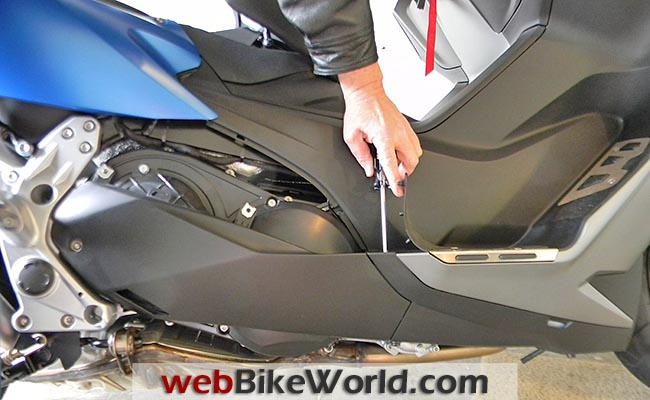 BMW C 600 Sport Panel Removal