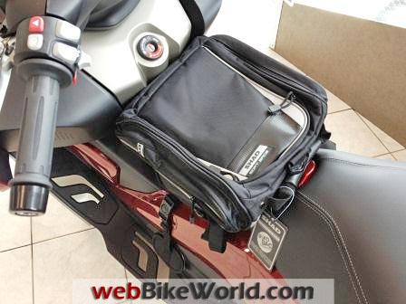 SHAD SB X0SC20 Luggage Bag on BMW Scooter