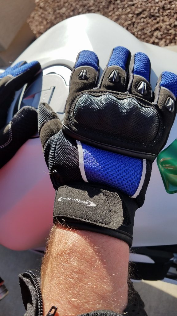 Motonation Rapita Textile Mesh Gloves Right Glove on Second Model for Fit and Comfort Test