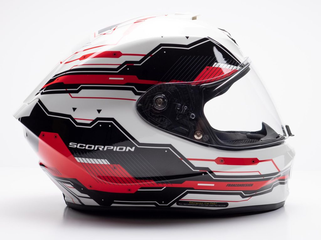 Scorpion EXO R420 Helmet Right Side View