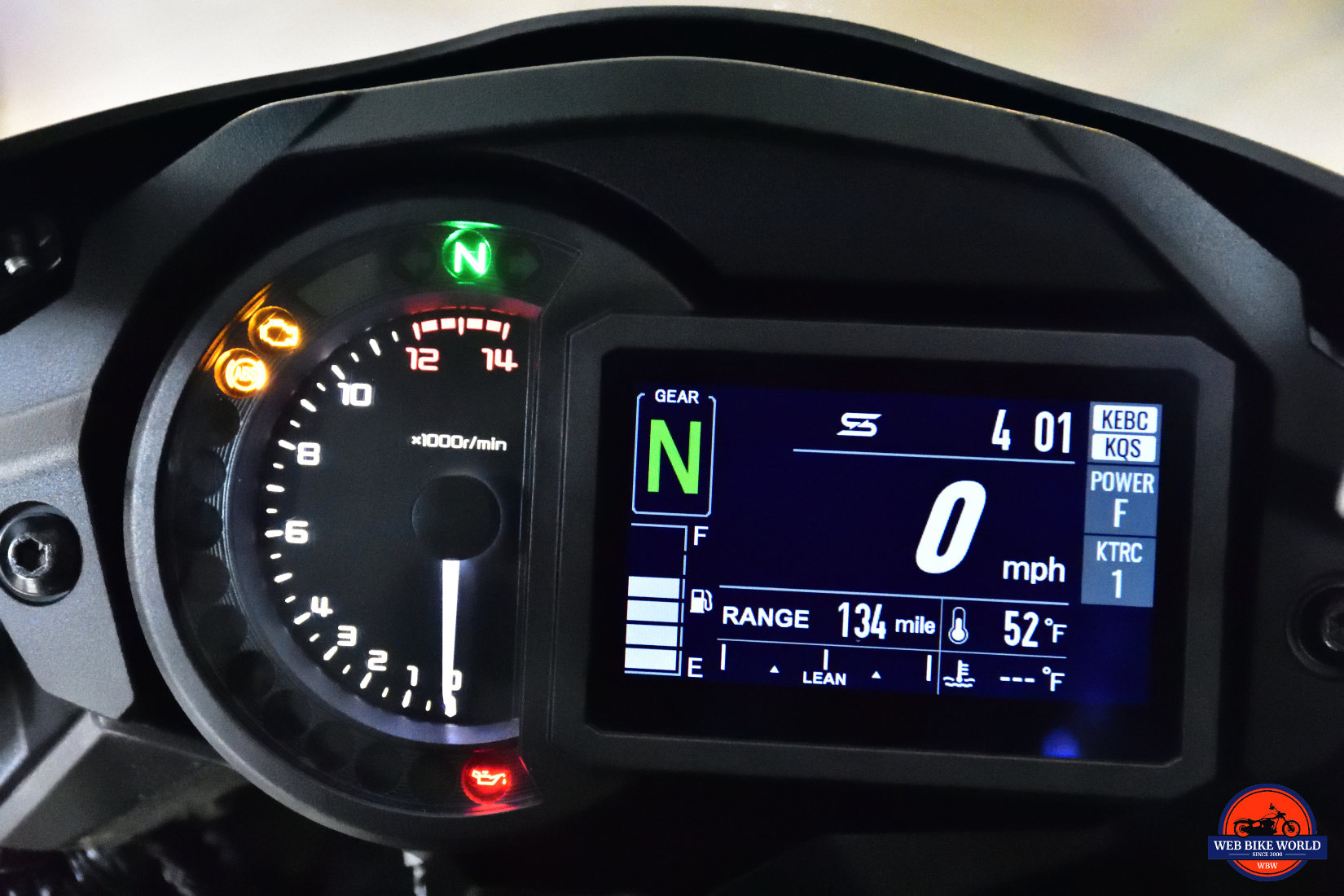 2018 Kawasaki Ninja H2SXSE gauges and TFT display.