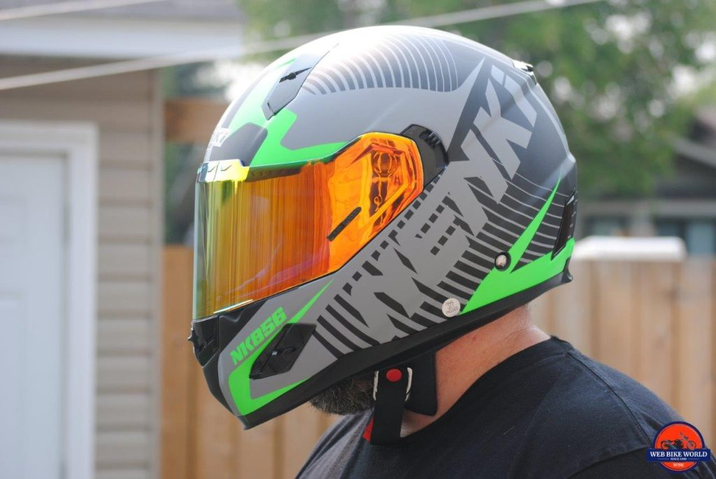 NENKI NK856 Helmet visor down on model