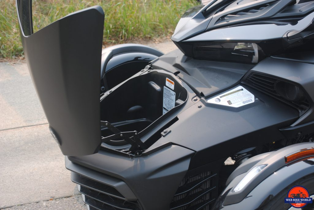 CAN-AM F3-S Spyder inner cargo area for storage