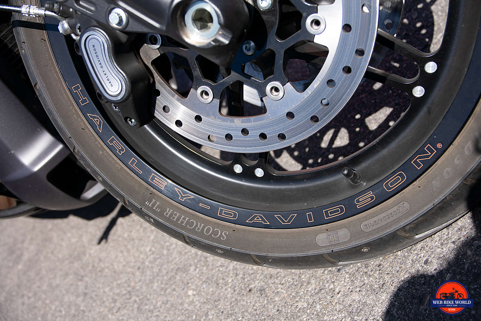 Front wheel of the 2019 Harley Davidson FXDR.