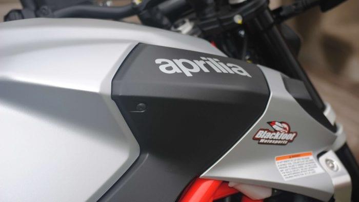 2018 Aprilia Shiver 900 tank