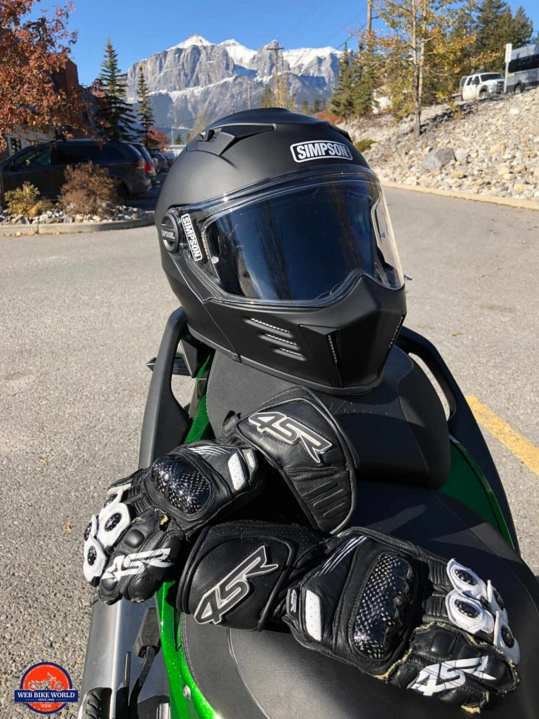 4SR 96 Stingray gloves and Simpson Mod Bandit helmet.