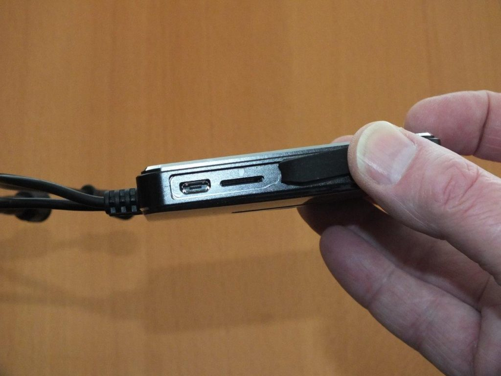 INNOV K2 Micro-USB and SDMedia Slot