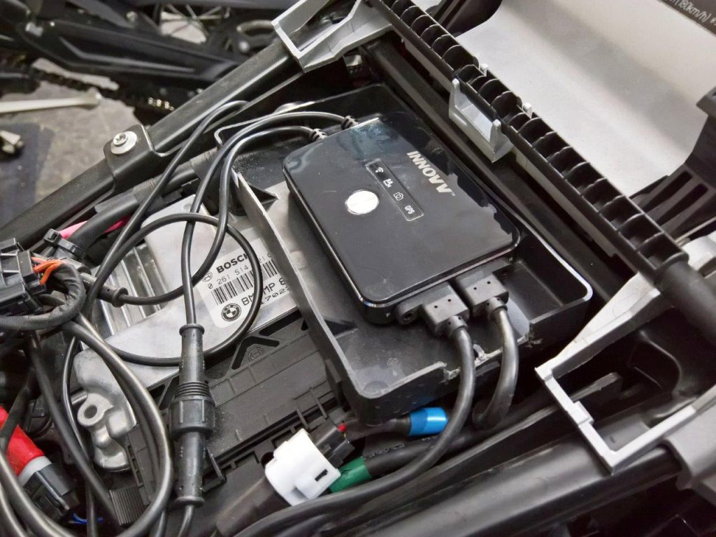 Custom DVR installation for the K2 on the R1200GS