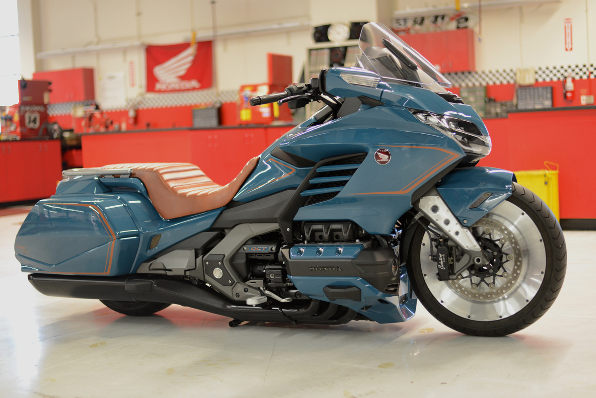 honda unveils custom  u0026 39 cool wing u0026 39  gold wing at daytona bike week