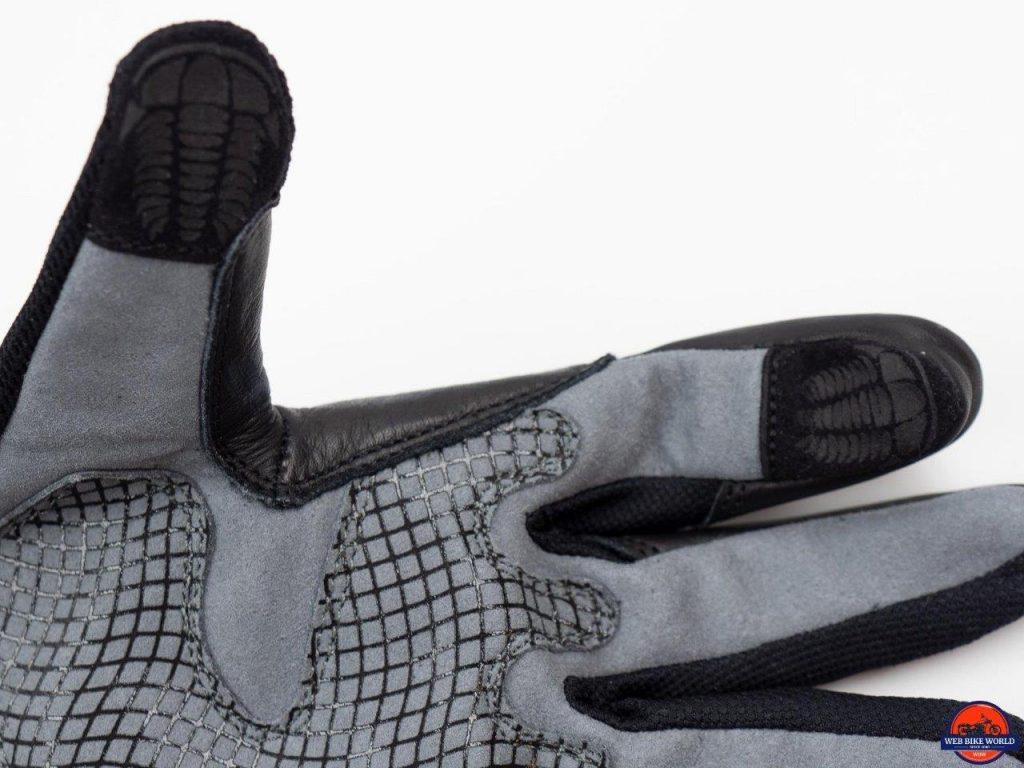Trilobite Comfee Gloves close-up