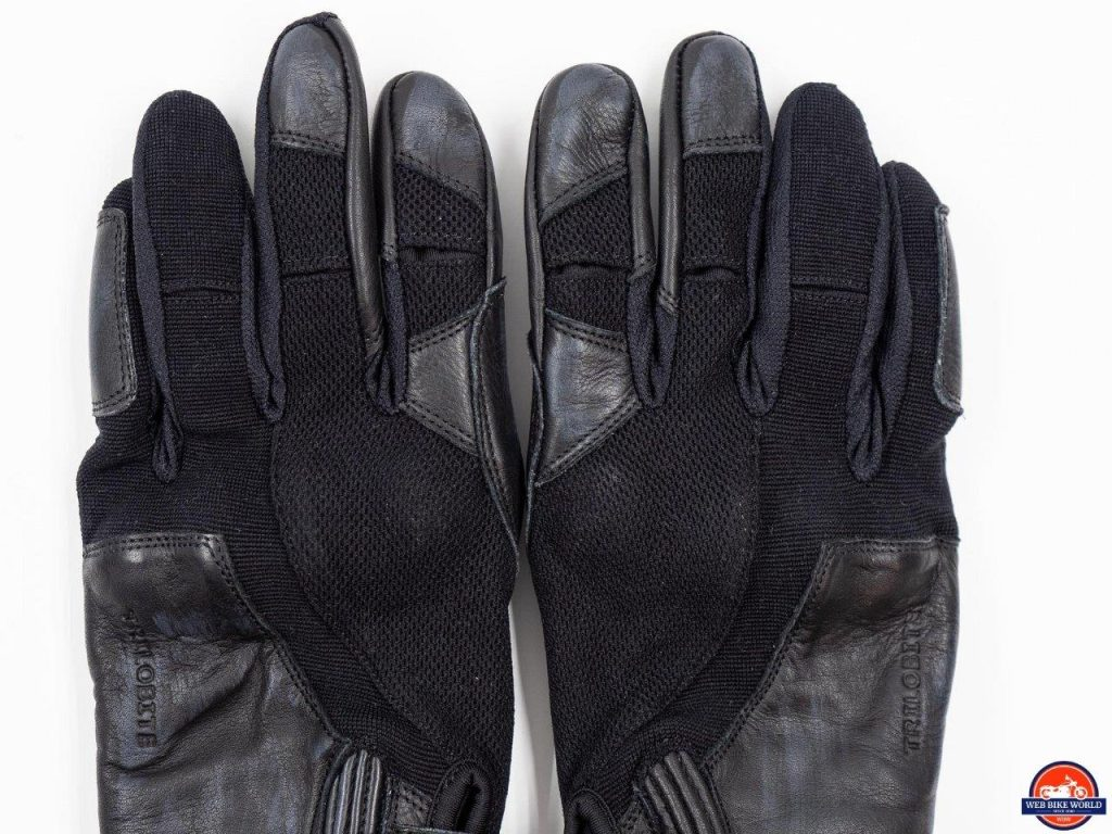Full view of both Trilobite Comfee gloves