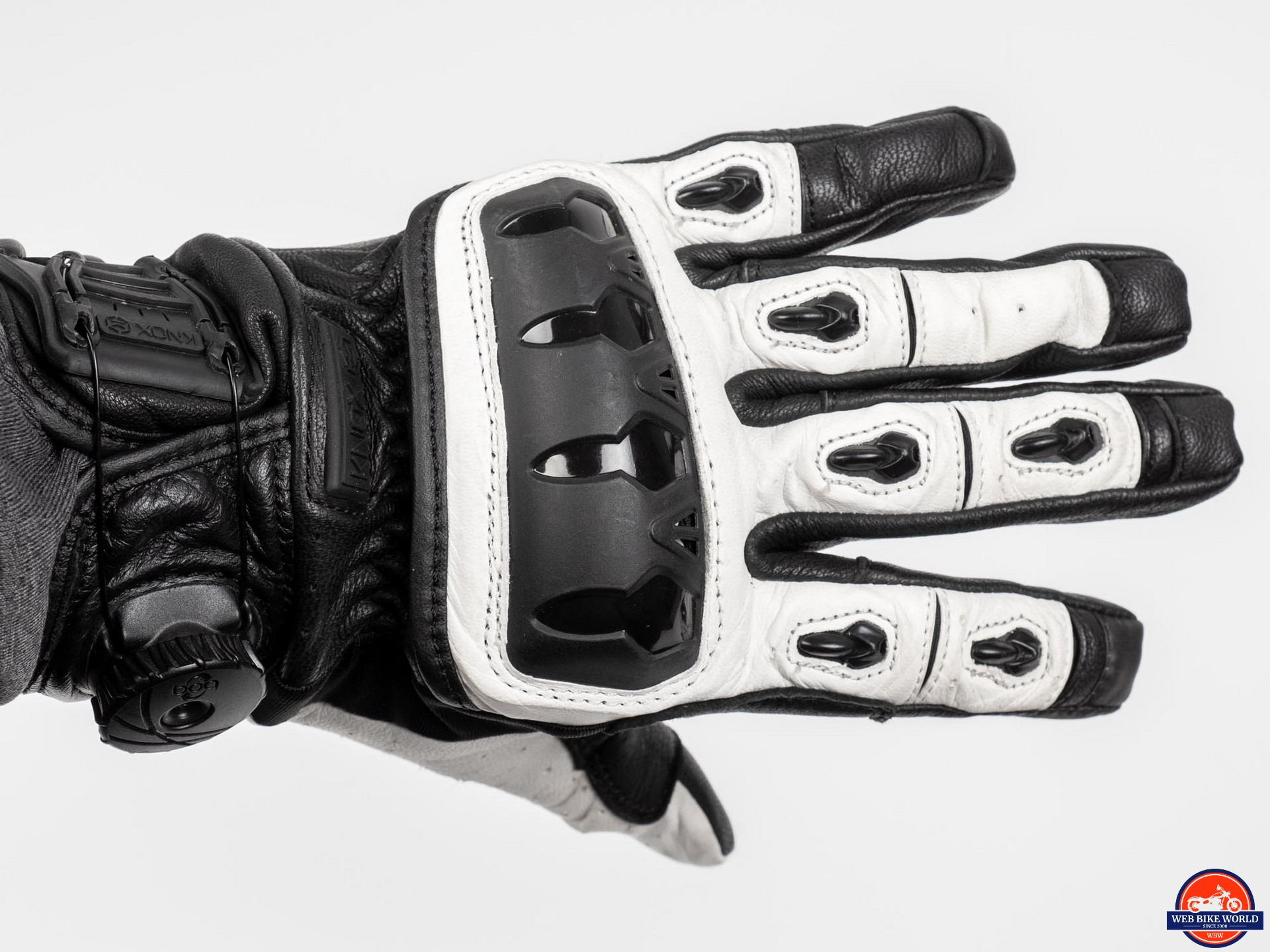 Knox Orsa Leather MKII Glove knuckle/finger armor view