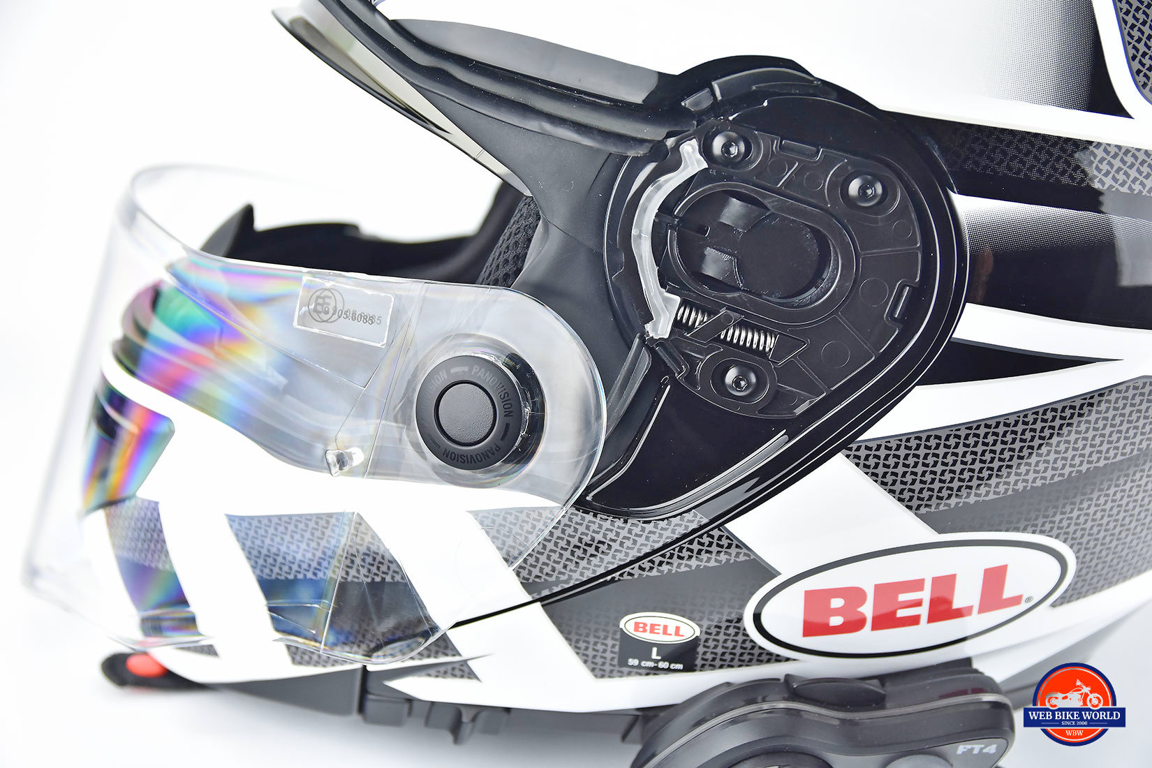 The Bell SRT Modular visor and hinge.