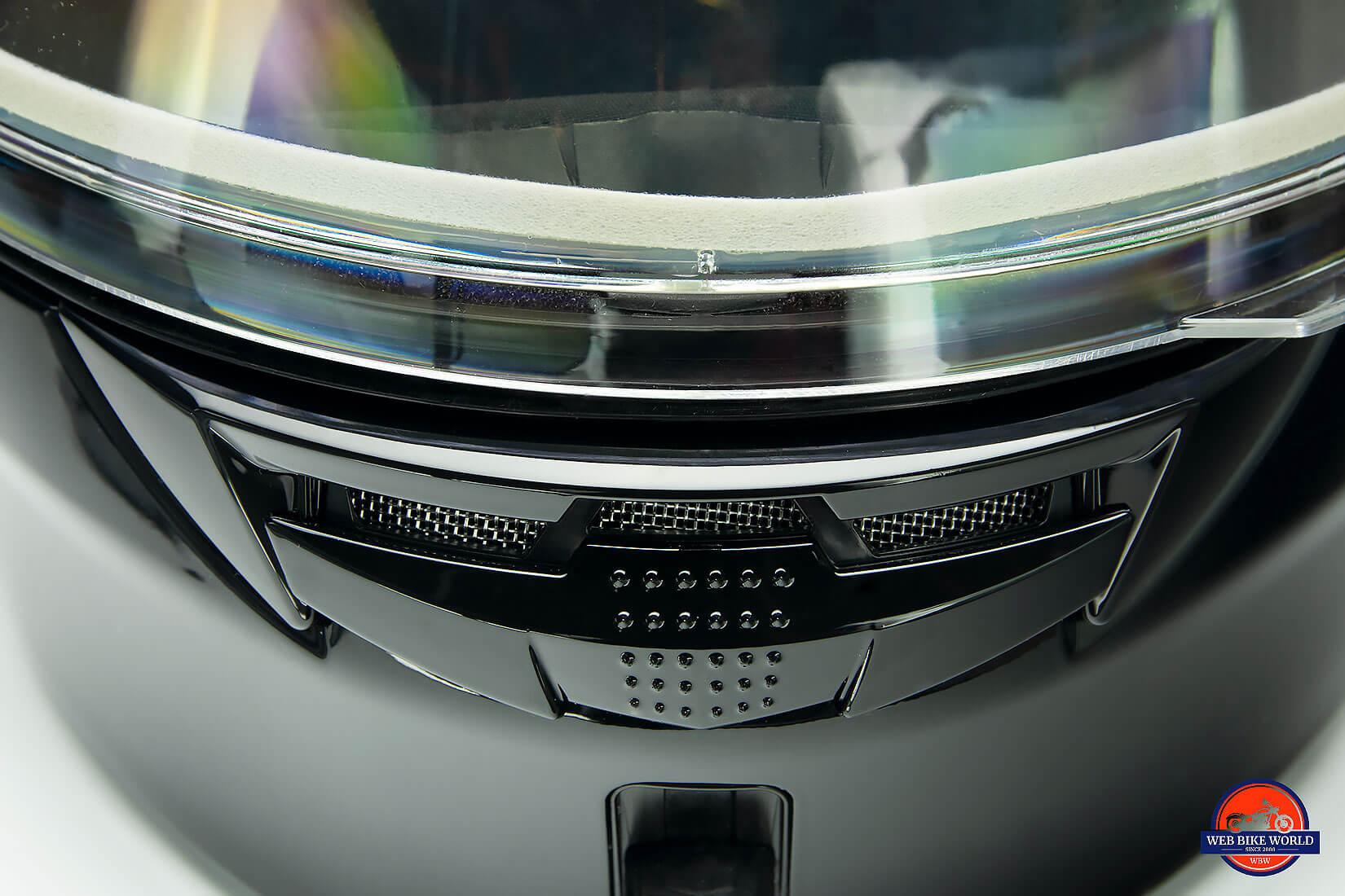 GMax MD01 helmet chinbar vent open.