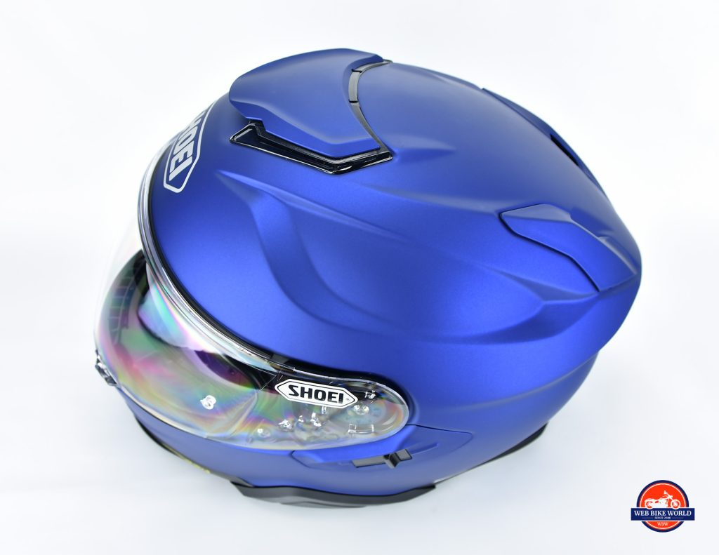 Aerodynamic grooves on The Shoei GT Air II