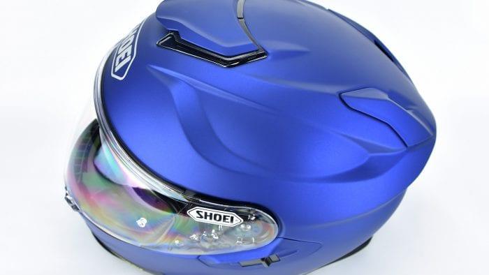 Aerodynamic grooves on The Shoei GT Air II
