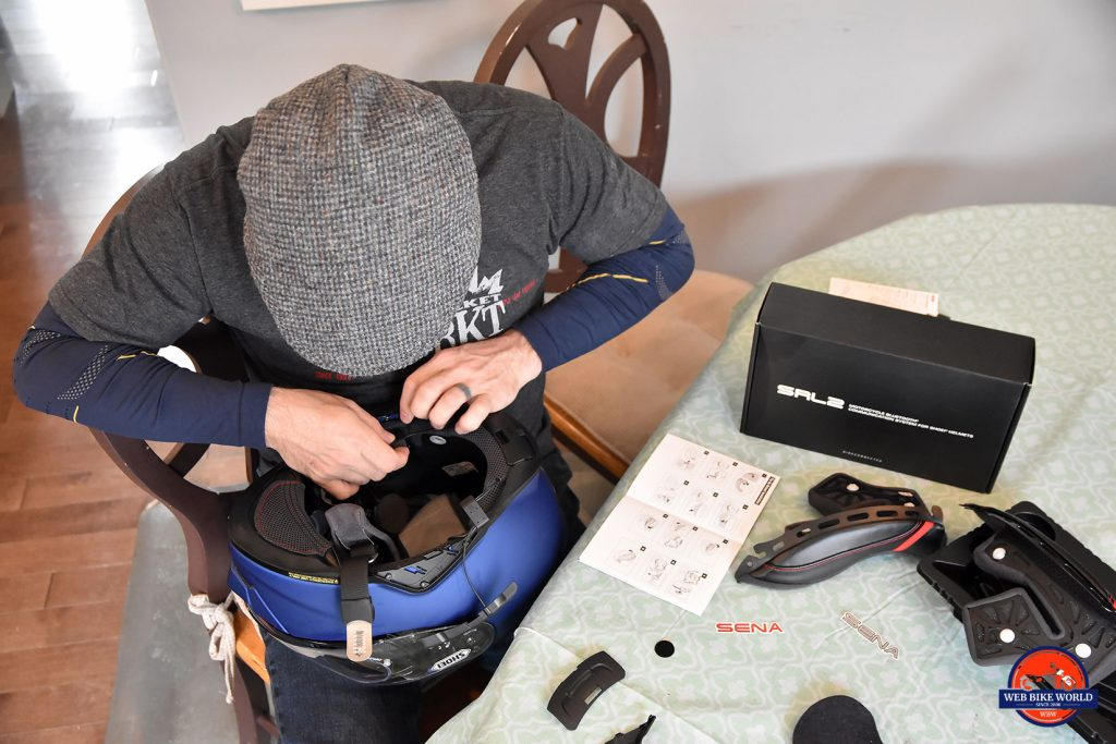Installing the SENA SRL2 in the Shoei GT Air 2