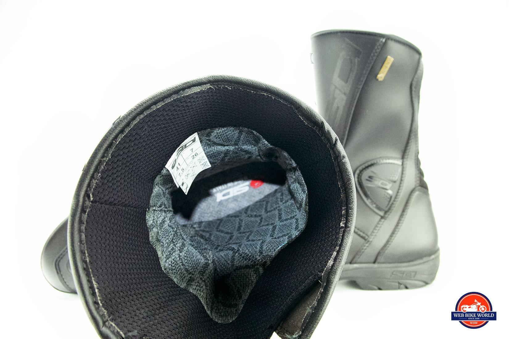 Sidi Gavia Gore-Tex Boots Cambrelle liner.