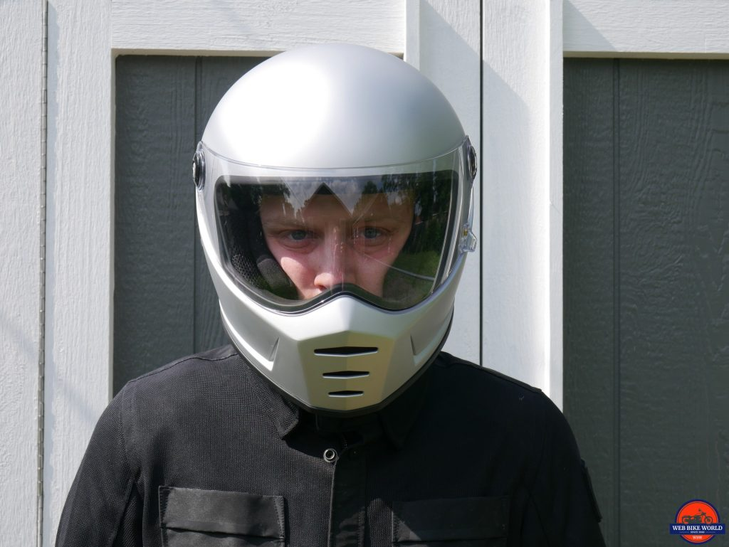 Biltwell Lane Splitter front view with visor down