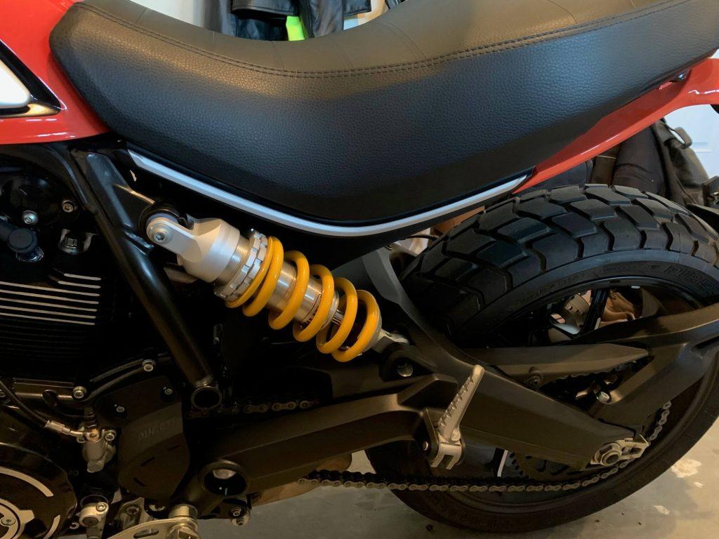 Lowering a Ducati Scrambler, Öhlins shock installation