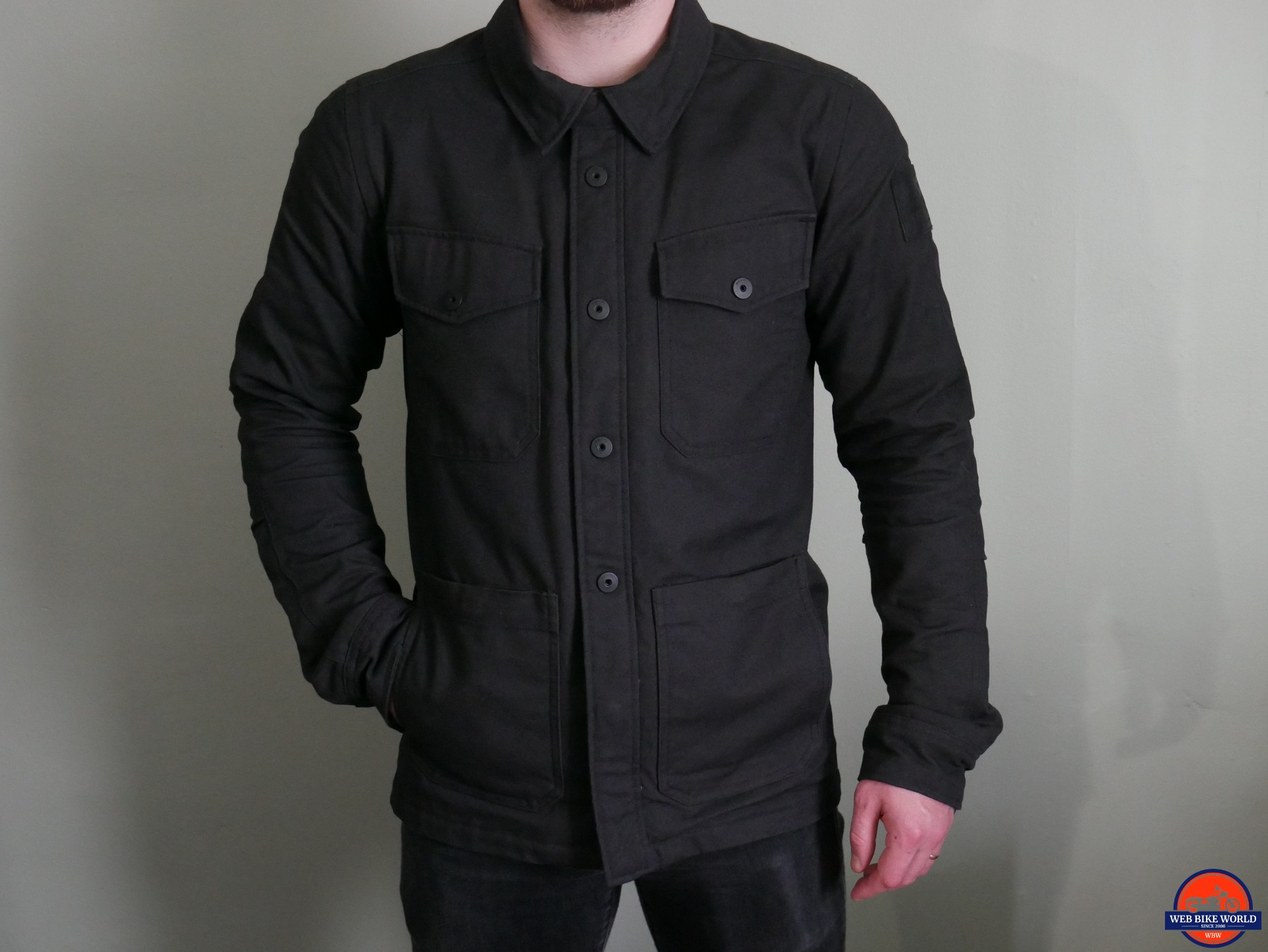REV'IT! Worker Overshirt front view, hand in pocket