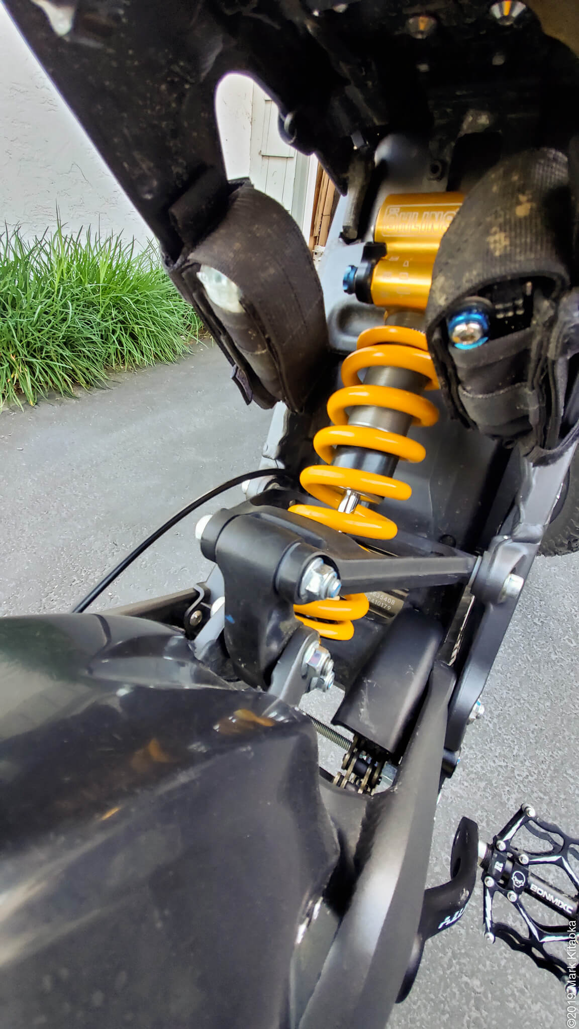 Ohlins TTX22 rear shock