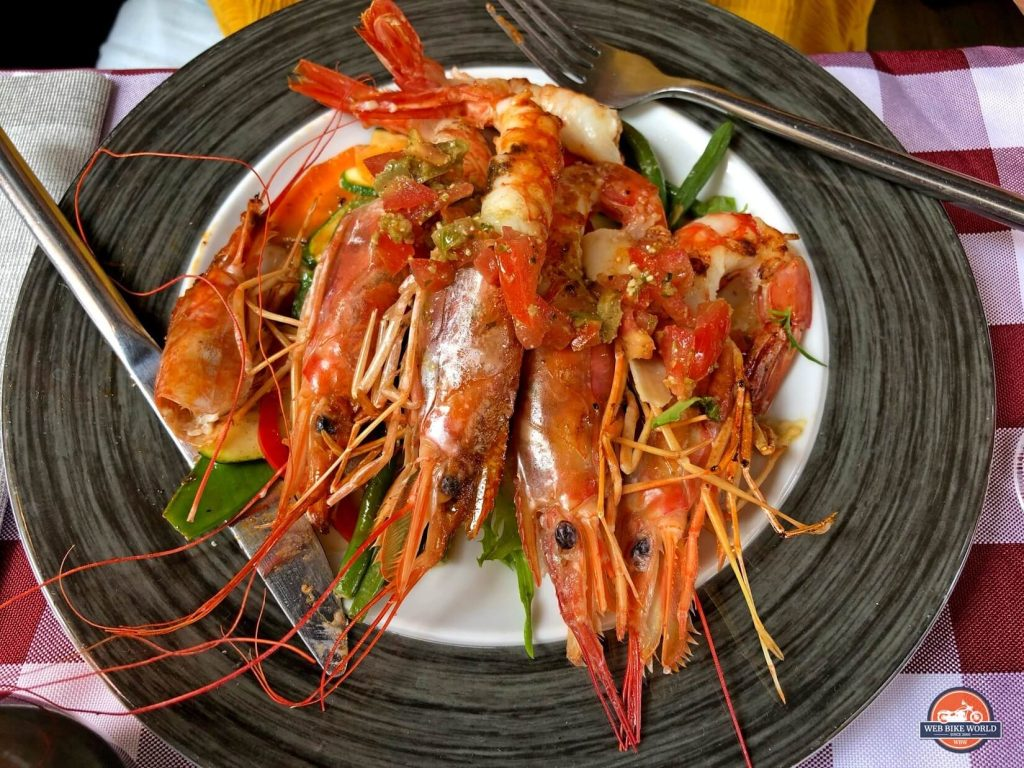 Fresh cooked prawns.