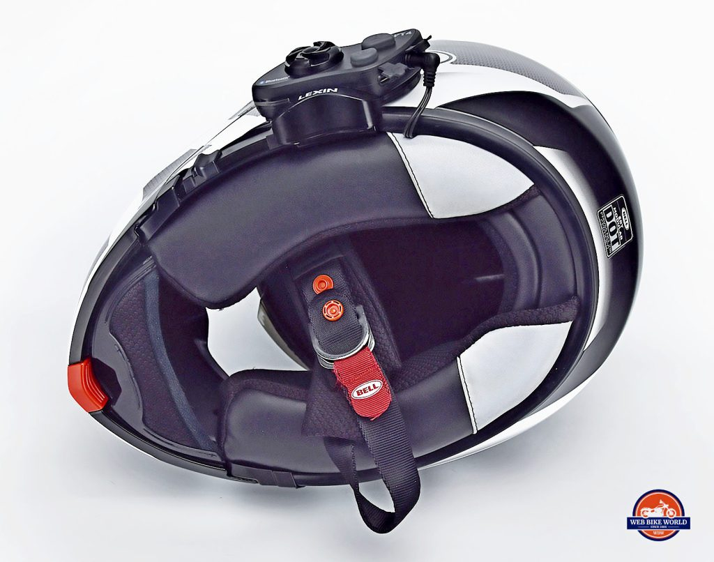 The Lexin FT4 installed in a Bell SRT Modular helmet.