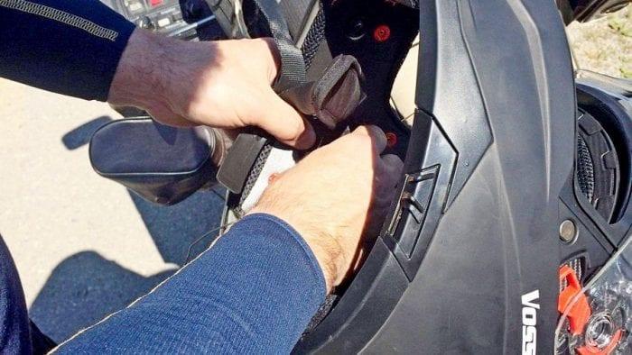 Installing the Lexin FT4 in a Voss helmet.